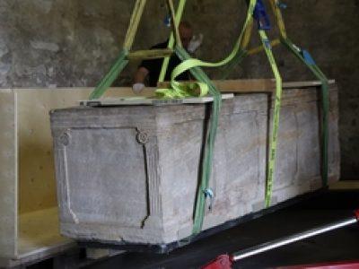 Pilastersarkophag und Epitaph des 9. Jahrhunderts reisen aus Lorsch ins Mainzer Landesmuseum